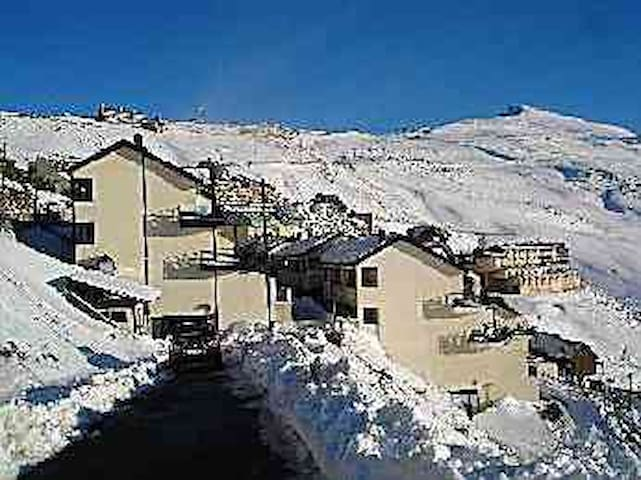 Estación esquí de Sierra Nevada ski station