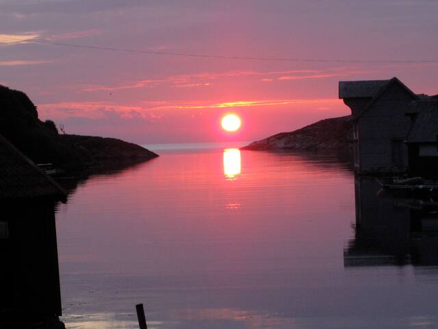 Sunset on Møkster.