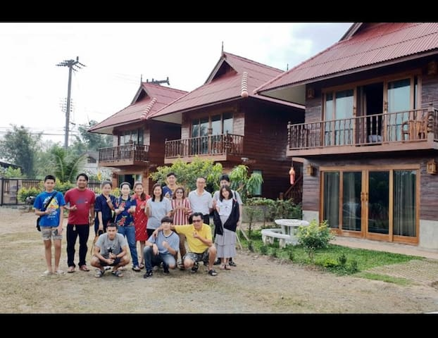 Wooden Hut Resort on the way to Doi Inthanon