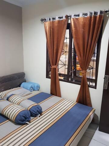 Bedroom-1 (OC)