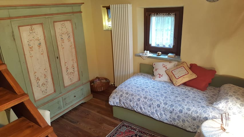 Cameretta 1 letto 1' piano
