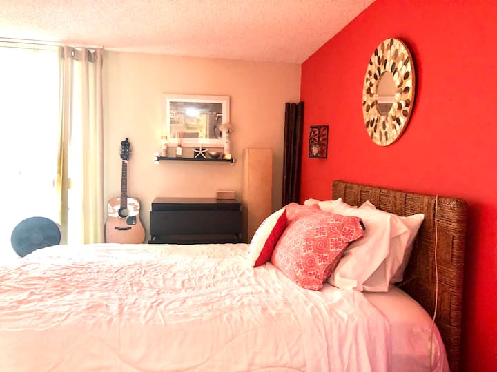 Affordable Pacific Palisades 1 BDR -walk to ocean!