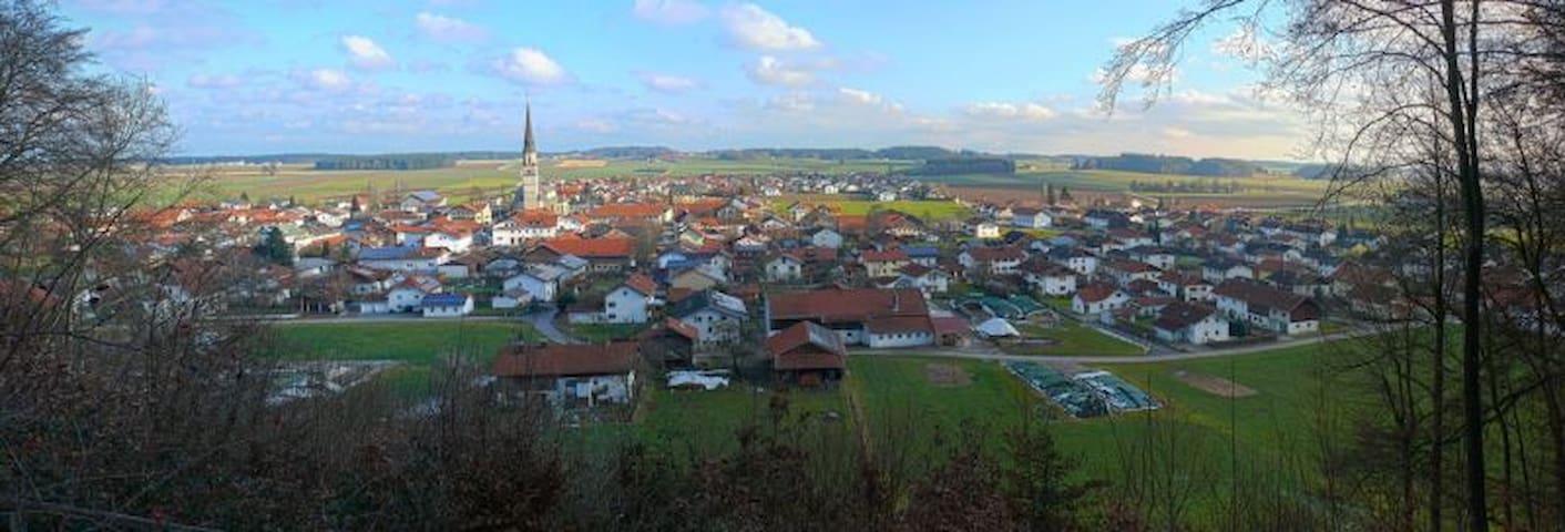 Ganzes Apartment im ländlich-geprägten Chiemgau - Palling - Apartamento