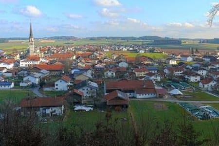 Ganzes Apartment im ländlich-geprägten Chiemgau - Palling - Apartament