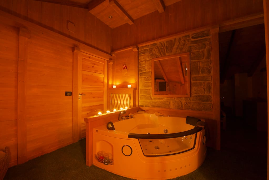 The Romantic Jacuzzi for two