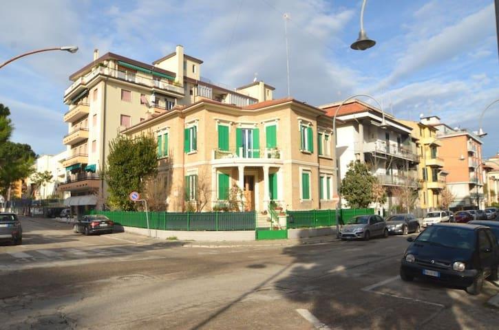 Prestigioso appartamento in villa liberty - San Benedetto del Tronto - Appartement