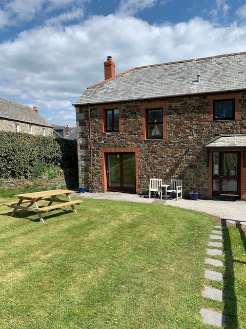 Three bedroom Holiday Cottage in Cornwall