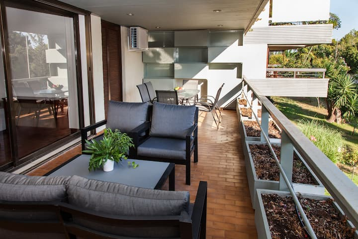 Delux Apartment with Amazing Balcony!