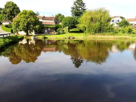 A louer belle maison avec étang