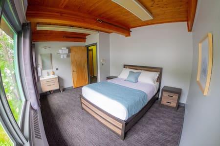 Modern Design w/ Queen Bed + Excellent Location 5