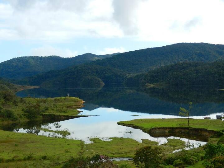 Alojamiento con Vista a la Represa de Miraflores