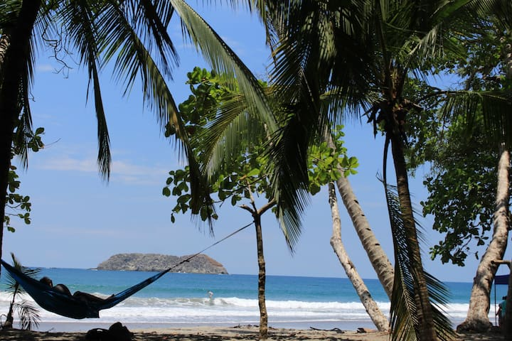 Beachpacker Manuel Antonio - Private Double Room - Quepos