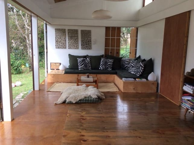 A bungalow in a private wildlife conservancy - Naivasha - Bungalow