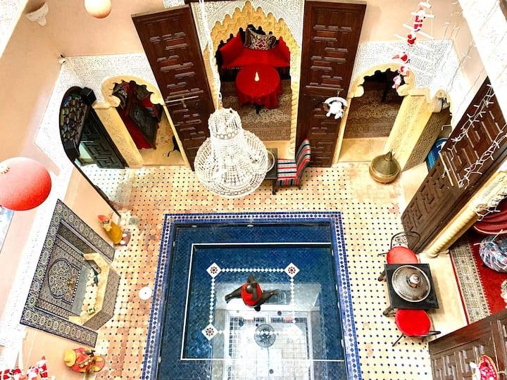 Riad la porte du Bouregreg , cœur de médina