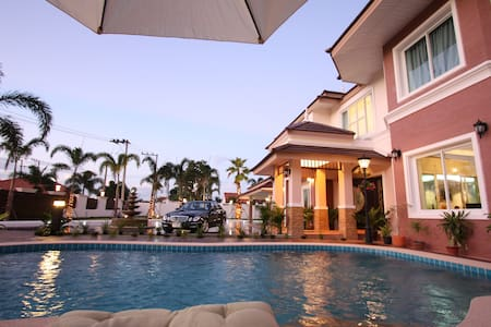 Platinum Royal Mansion in Pattaya - Pong - Hus
