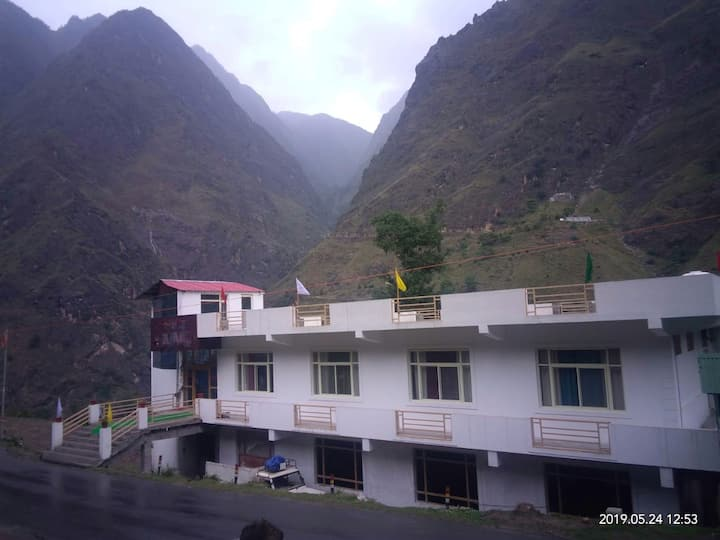 Destination Auli by THL.