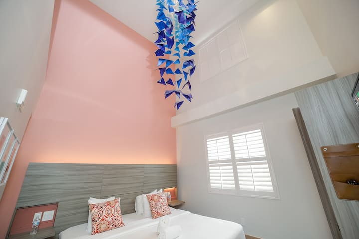 Kite Suite steps from the Ocean w/ free Parking