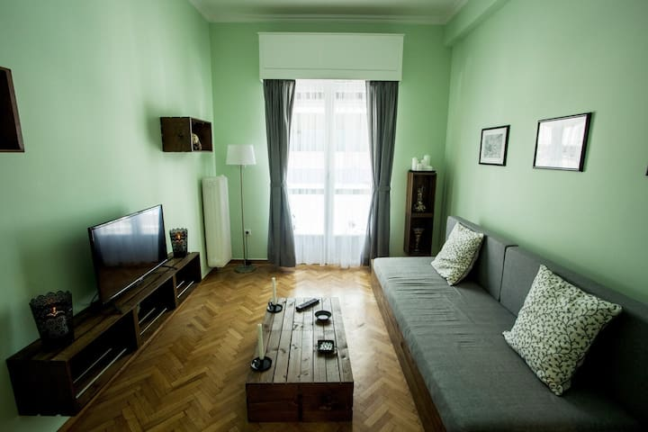 Cozy and fully renovated Acropolis apartment! - Athina
