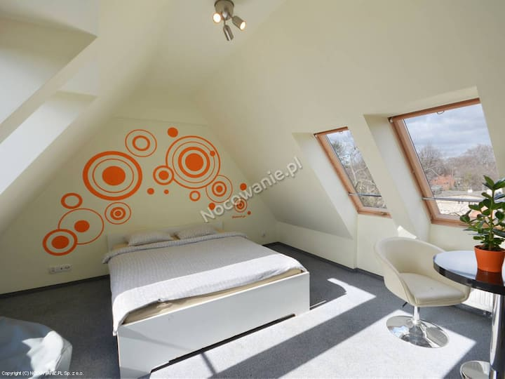 3-person Comfort room (shared bathroom)