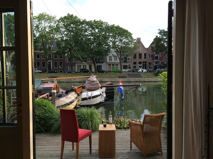 Beautiful house in Weesp 15 minutes from Amsterdam