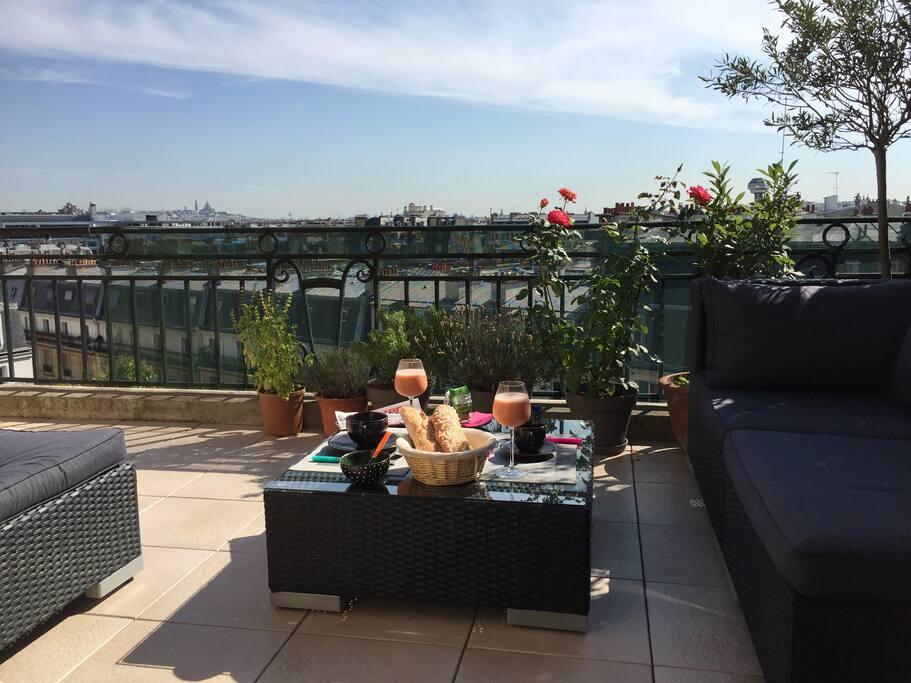 Paris 17e avec terrasse et vue sur paris appartements for Restaurant avec terrasse ile de france