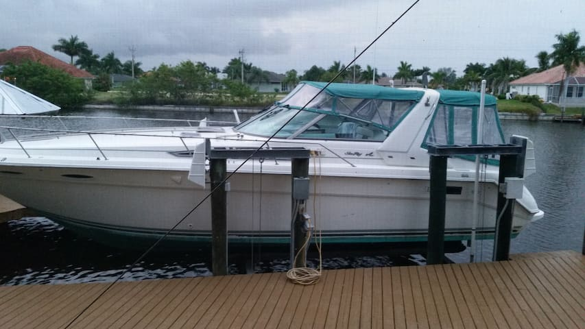 Lady Bella Yacht - Fort Myers - Boat
