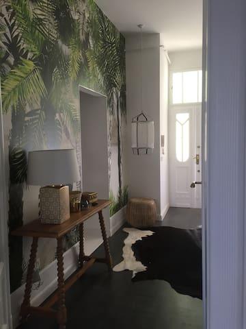 dining room-kitchen