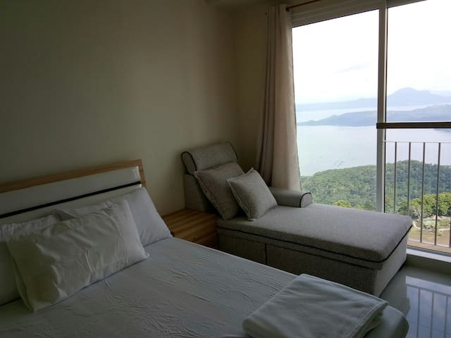 Taal View T4 Unit 2040 Wind Residences by SMCo