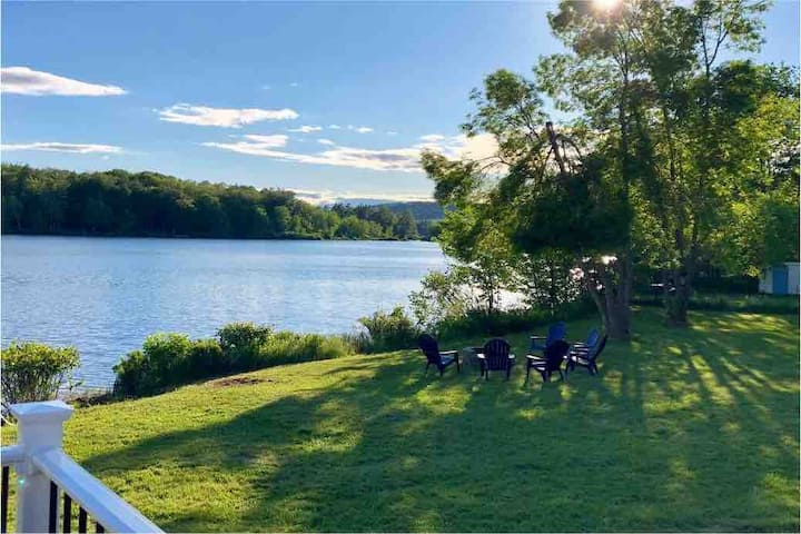 Get away - come relax at our Maine lake house!