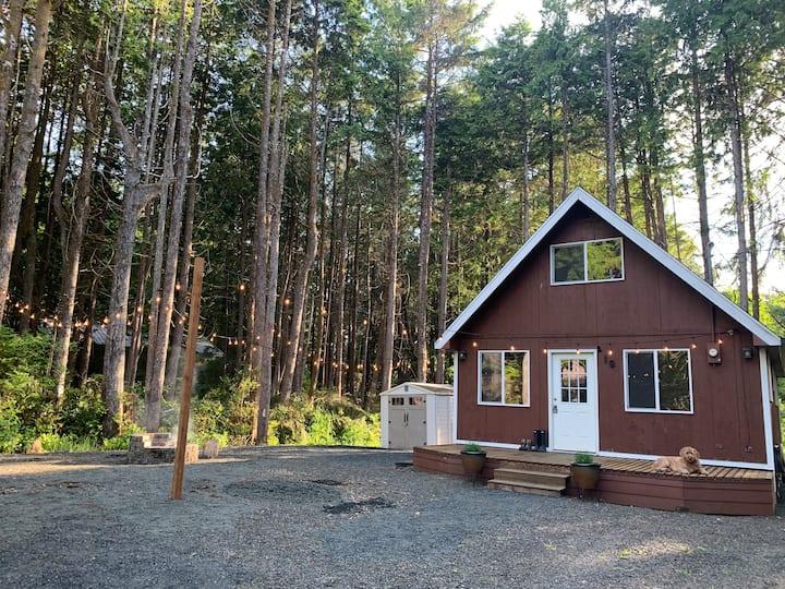Woodsy Beach Cottage