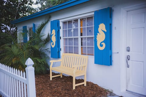Charming home with hot tub, minutes from the beach