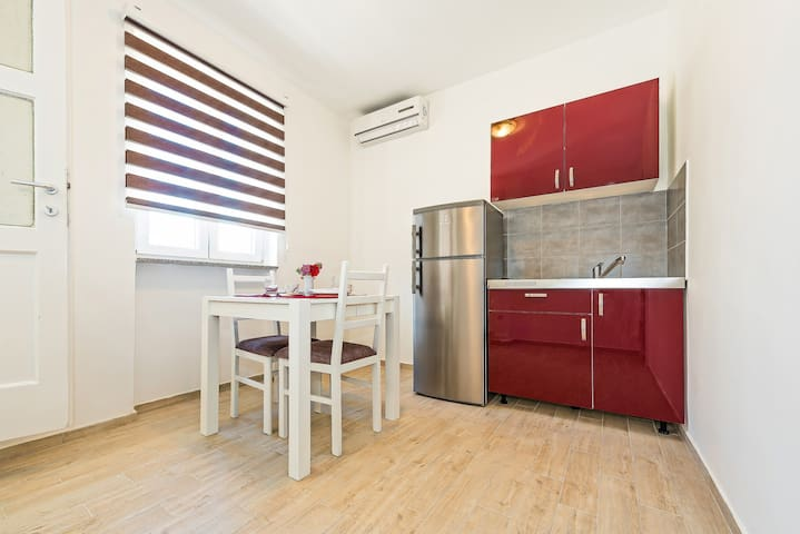 Apartment Škugor