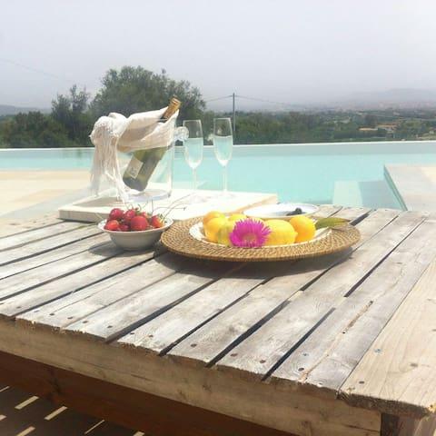 panoramic dependance in villa - olbia, località pinnacula - Villa
