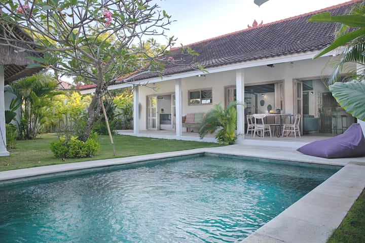 4 bedrooms family villa in Bingin Beach