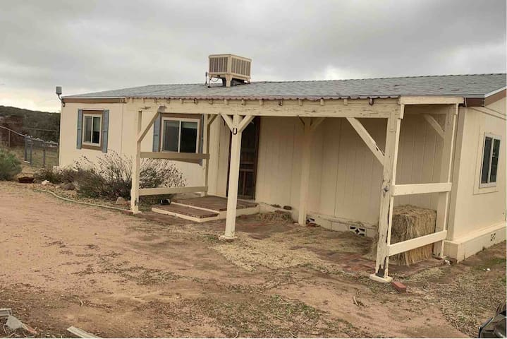 VIEWS! For you and your animals on a ranch house!