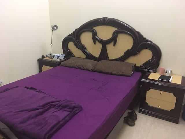 Nice shared room in a villa - Dubai - Haus
