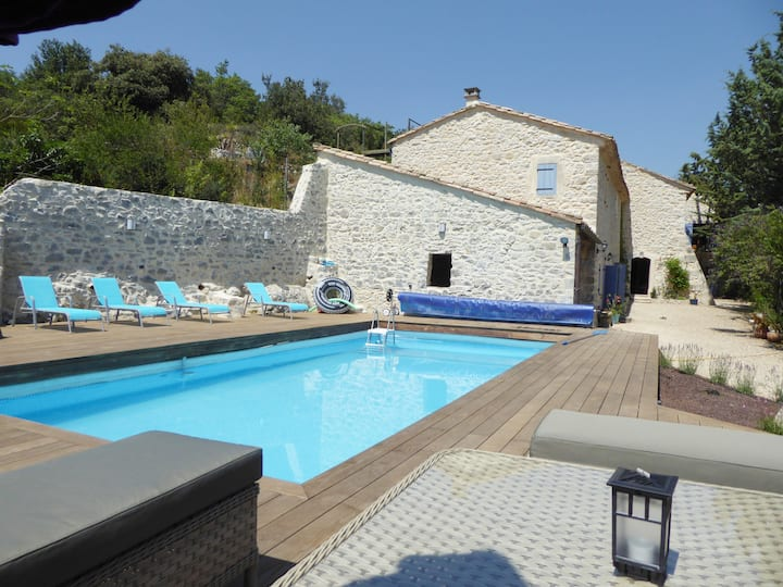 Near Uzes large villa with private pool and gite