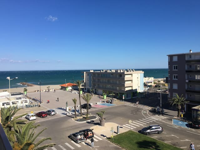 4 pl. studio, close to the beach, fantastic view