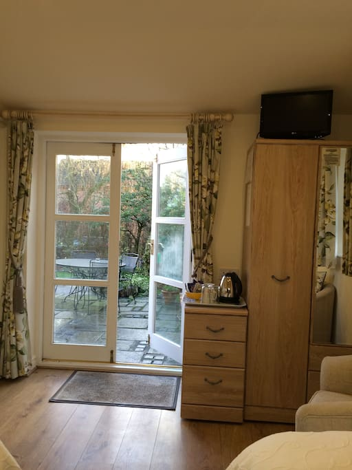 Twin/double room in the Garden Annex