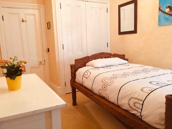 Cute&cozy room