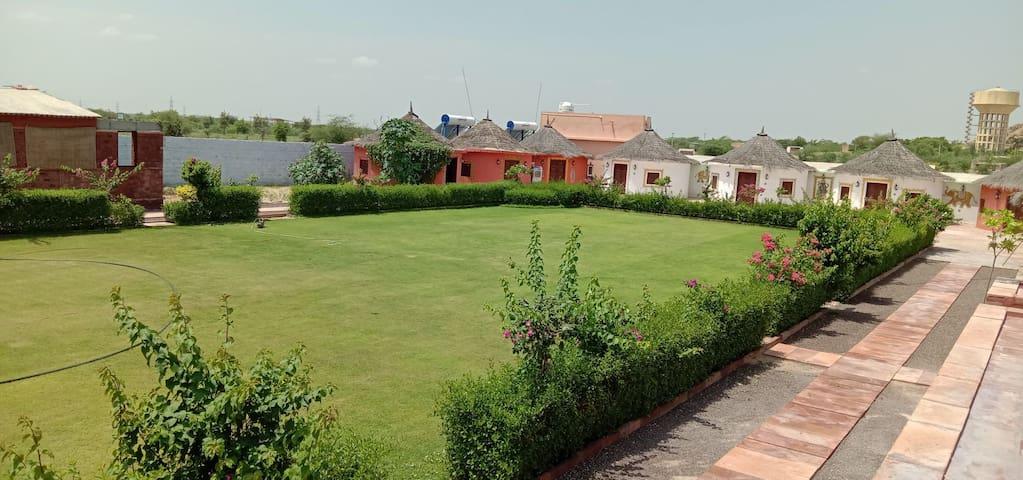 Stay With Shambhuram & Dariya Family home