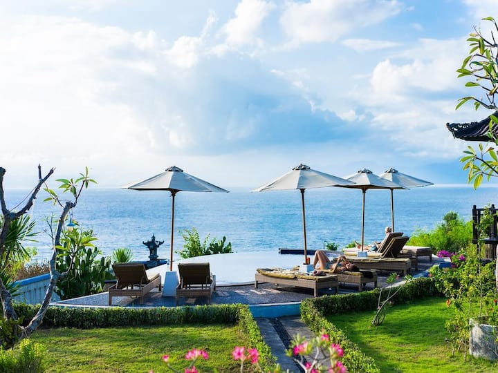 Nusa Lembongan 4 adult Partial BEl-va Sea View