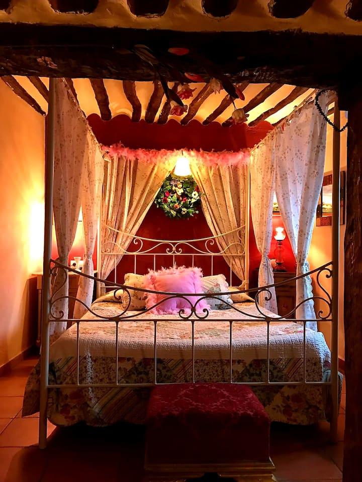 Romántica habitación en hotel rural en Valeria