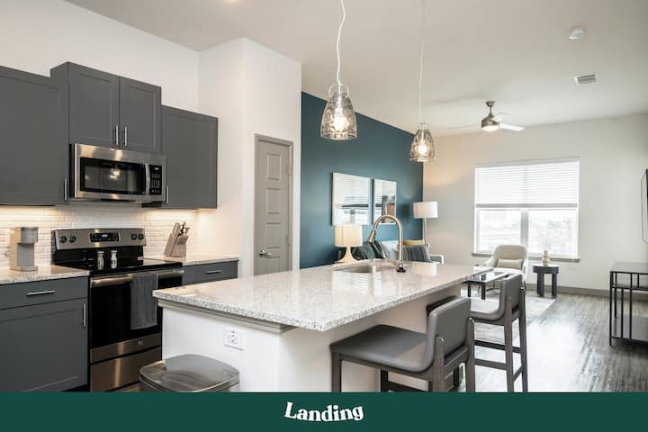 Landing | Modern Apartment with Amazing Amenities (ID7030)