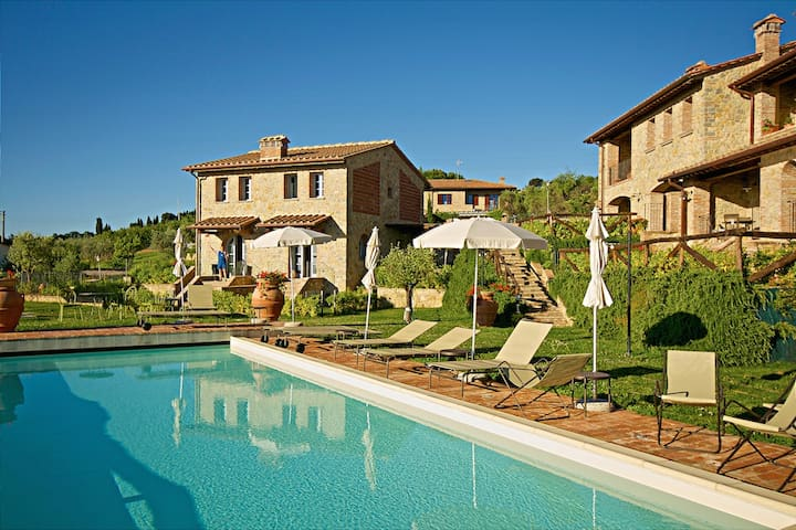 One bedroom with swimming pool and view, tuscany - Chianni - Daire