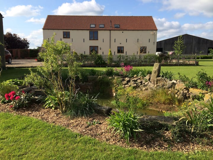 Rural idyll, convenient for York - great breakfast
