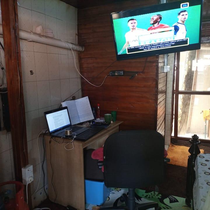 Private Studio Room on Mutungo Hill-Free Wifi