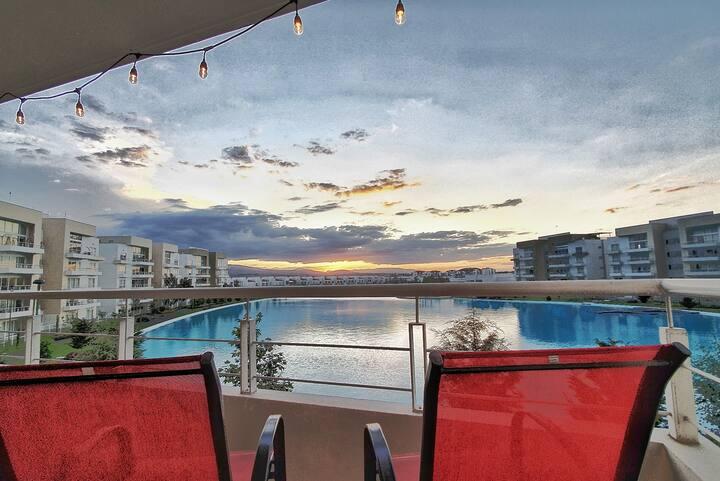 Bellas Habitaciones con Increíble Vista a Laguna