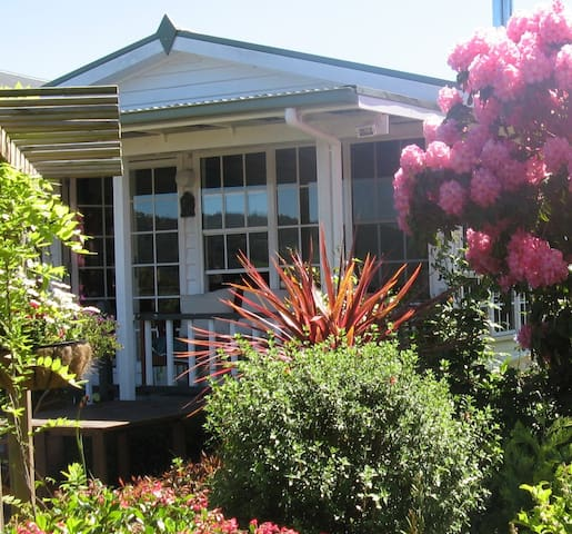 Hillside Bed & Breakfast Huonville River Room - Woodstock - Bed & Breakfast