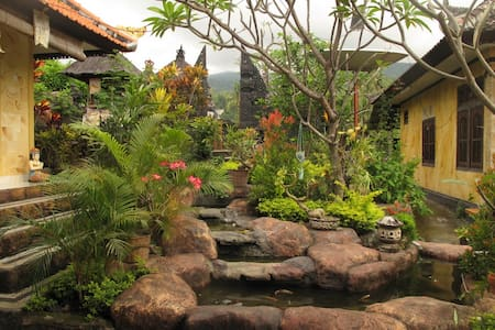 Beautiful Balinese house Aling Aling WATERFALLS - Sukasada - Bed & Breakfast